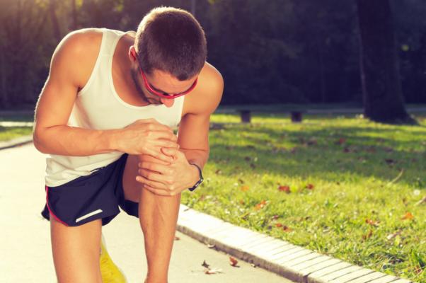 penyebab nyeri lutut sedang berlari
