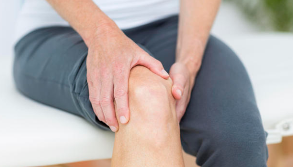 penyebab lutut nyeri dan kaku setelah duduk